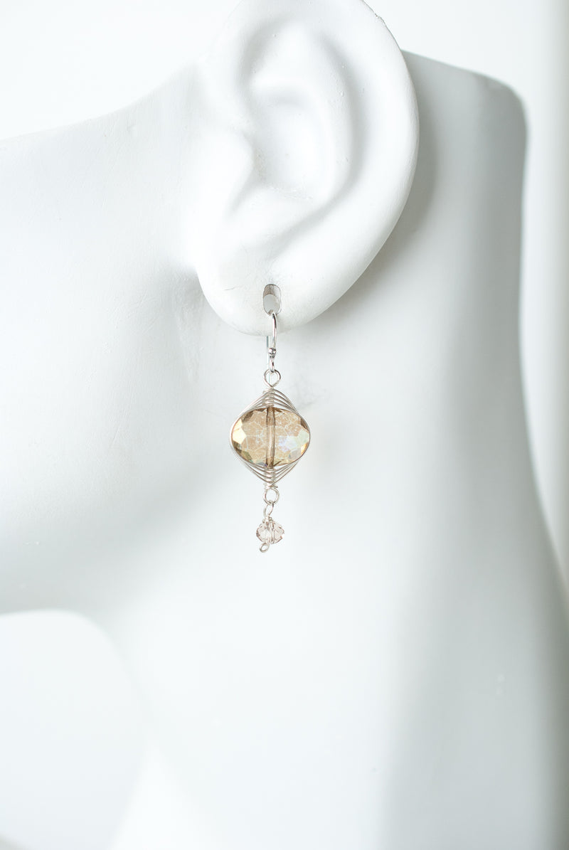 Herringbone Pale Gold Oblong Dangle Earrings