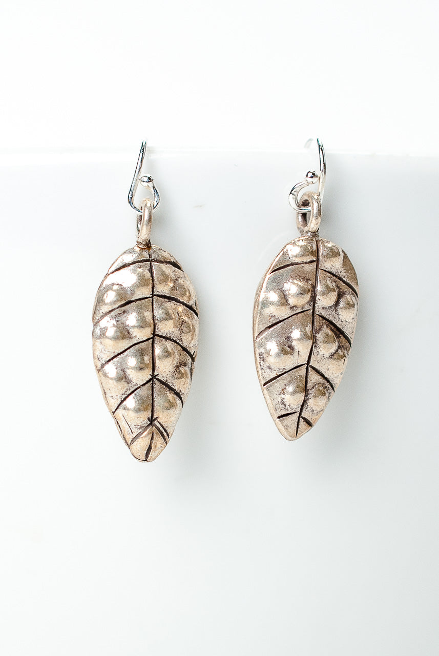 Inspiration Simple Silver Leaf Dangle Earrings