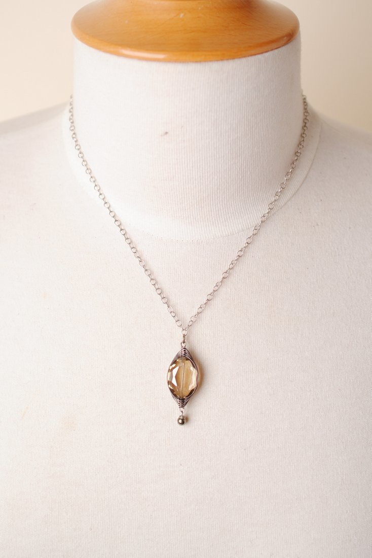 "Windsor Castle 16-18"" Tan Herringbone Pendant Necklace"