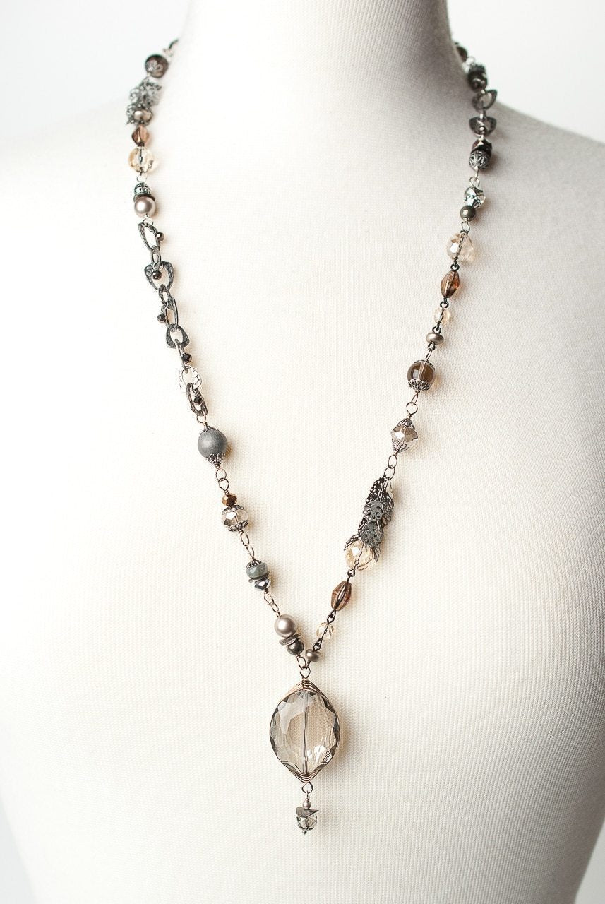 "Windsor Castle 29-31"" Herringbone Focal Collage Necklace"