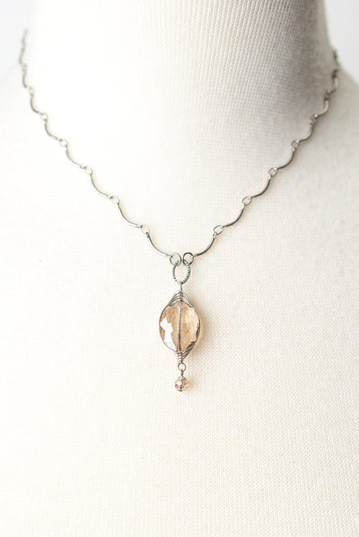 "Windsor Castle 16.5-18.5"" Simple Tan Herringbone Pendant Necklace"