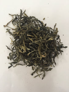 High in antioxidants, white tea helps maintain healthy blood pressure.  50 grams | loose leaves | packaged in reusable tin.