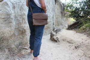 Antiga Desert Satchel- Stone Brown