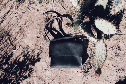 Antiga Desert Satchel-Black