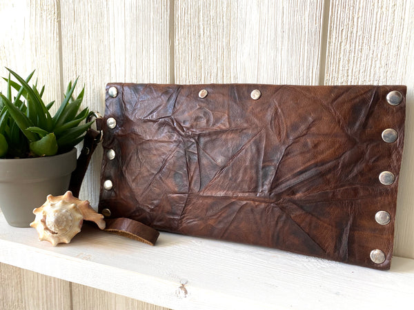 Signature Wallet in Chestnut