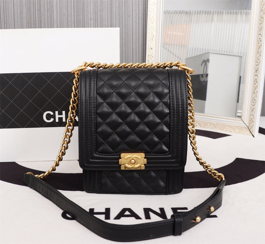 bf7c84e2d636ef Load image into Gallery viewer, Chanel boy cruise 2018/2019 handbag -  LUXURYDESIGNERS ...