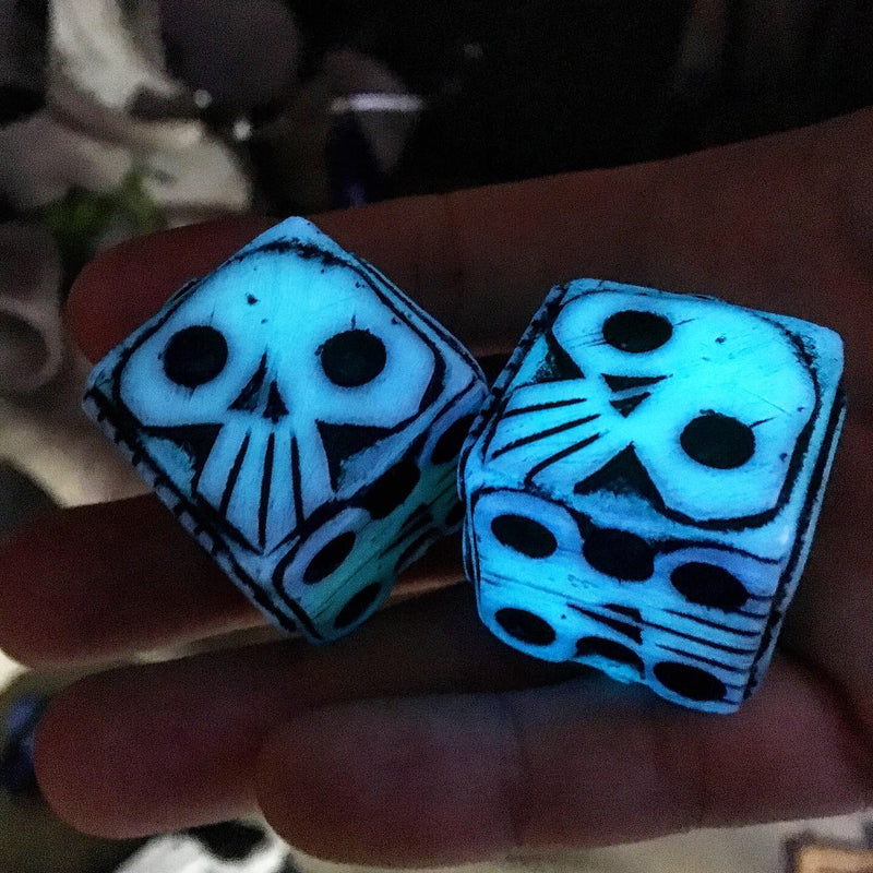 Oogie Boogie Dice - Glowy White