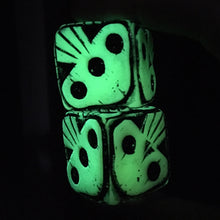 Load image into Gallery viewer, Oogie Boogie Dice - Glowy Green
