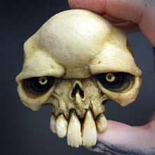 Load image into Gallery viewer, Rotten Tail Skull