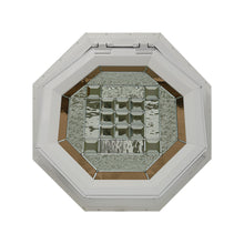 Park Avenue Venting Octagon Window Clay