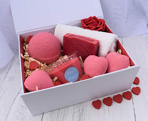 Bath bombs, soap, soy candle romantic gift set