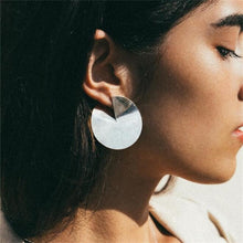 Load image into Gallery viewer, Geometric earrings in silver