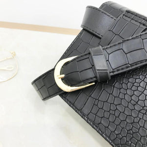 Faux snake leather bum bag in black