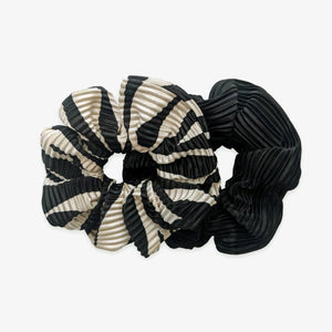 Large plisse scrunchies set of 2