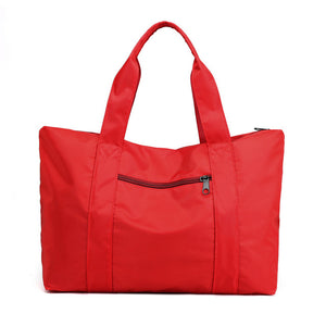 Weekend travel bag in red