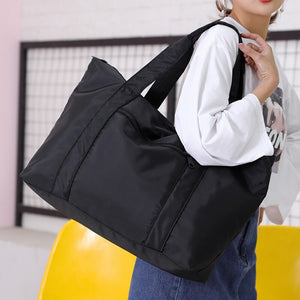 Weekend travel bag in black
