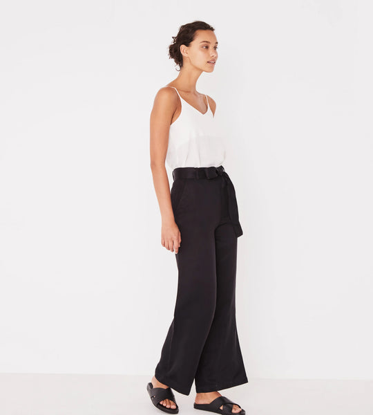 Assembly Label  Column Pant |Black