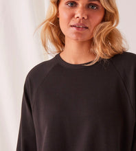 Assembly Label | Kin Fleece Top | Black