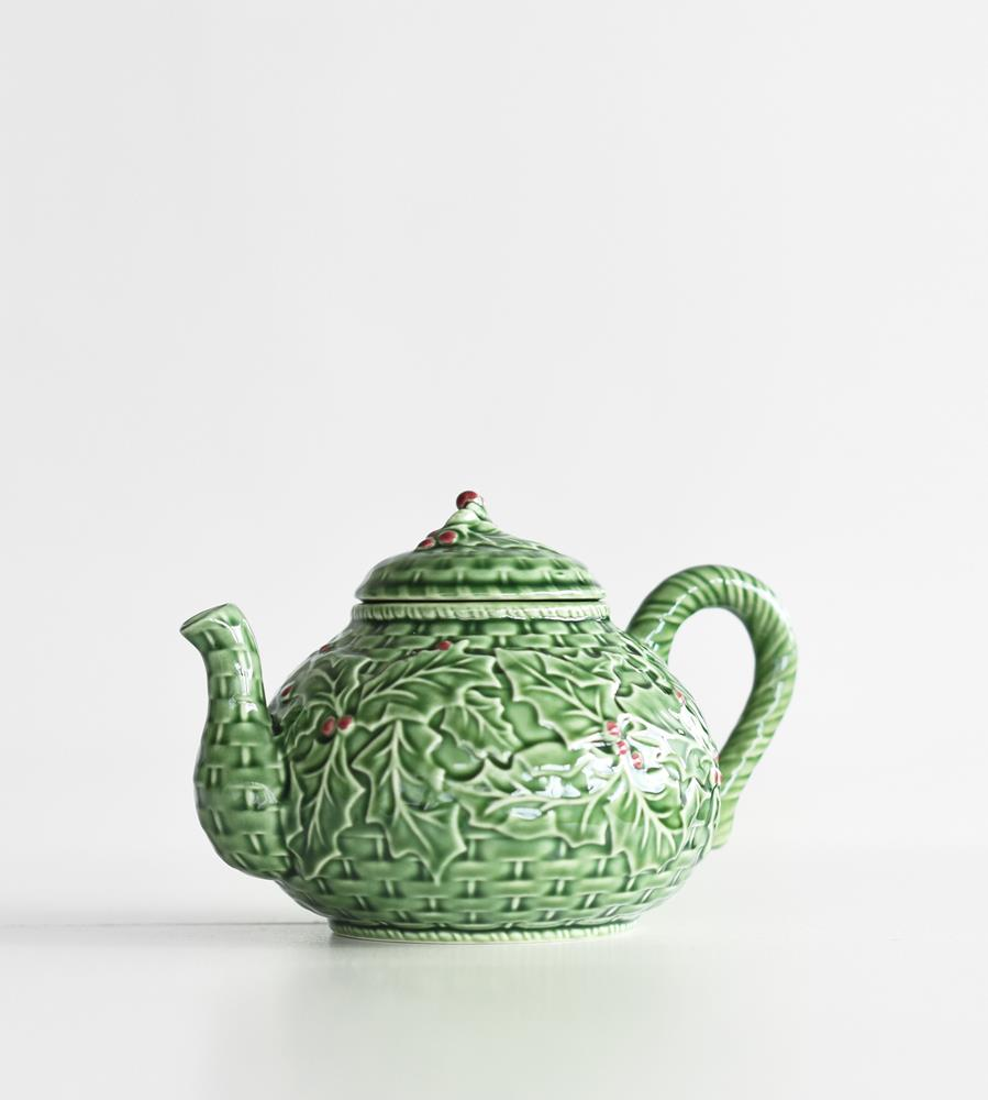 Bordallo Pinheiro | Holly Teapot
