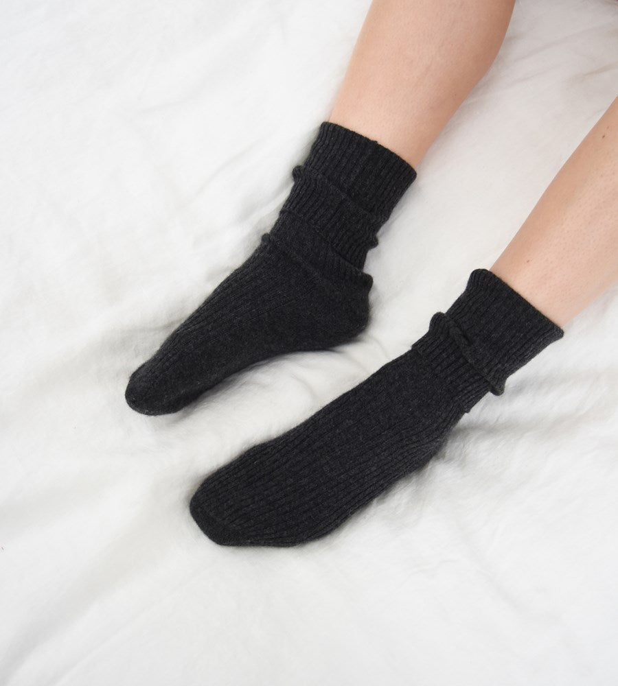 La Tribe | Cashmere Socks | Charcoal