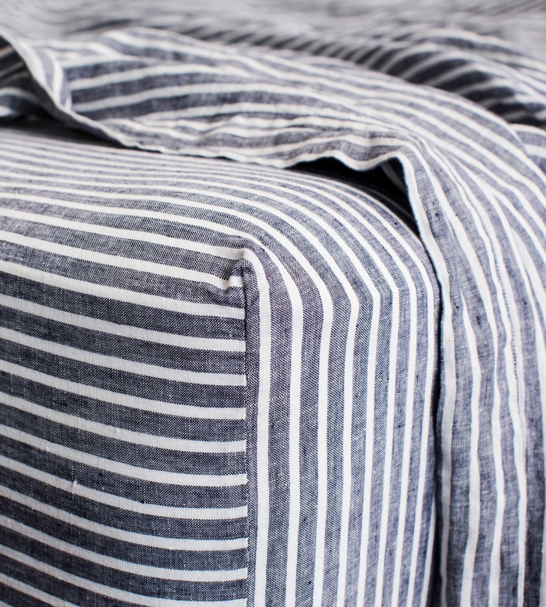 Cultiver | Linen Fitted Sheet | Indigo Stripe