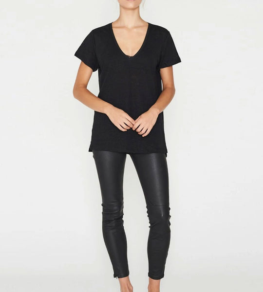 Elka Collective | EC Linen V Neck Tee | Black