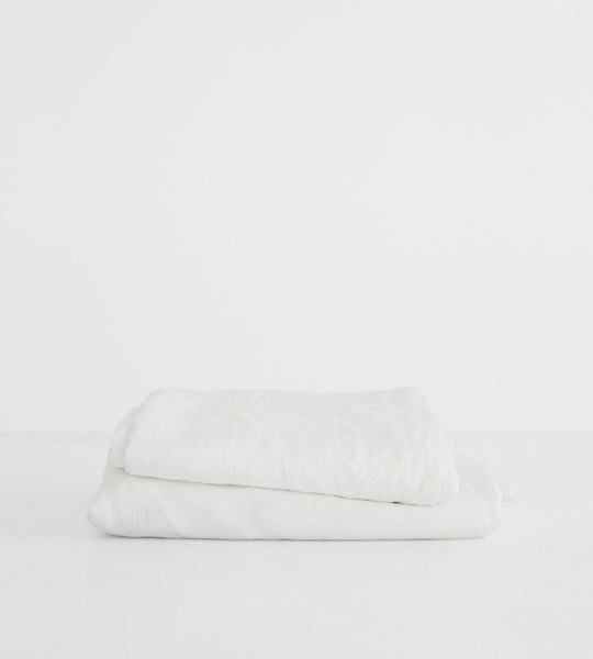 Father Rabbit | Linen Sheet Set | White