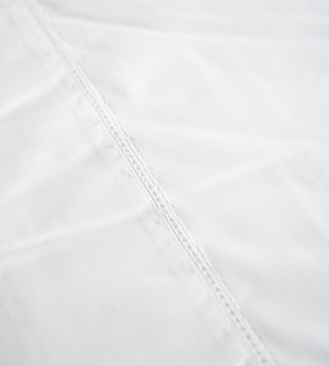 white cotton sheet
