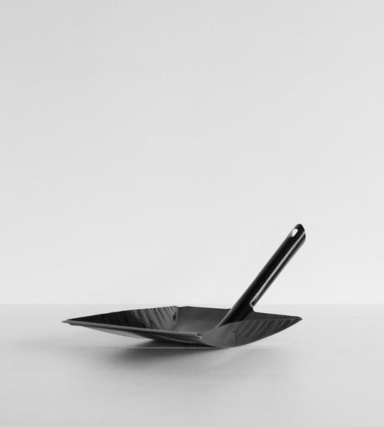 Dust Pan | Black with Rubber Edge