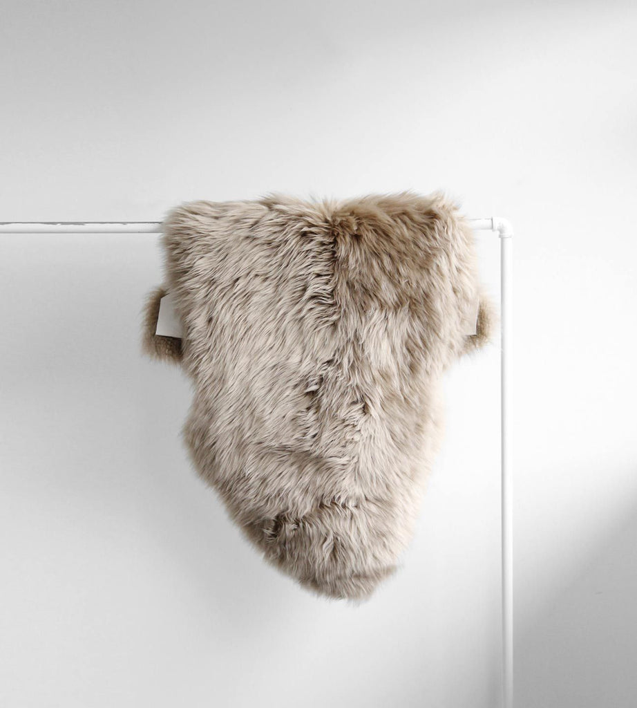 Long Wool Sheepskin | Taupe