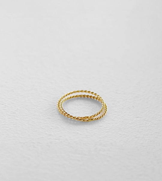 Sophie | Double Twist Band | Gold
