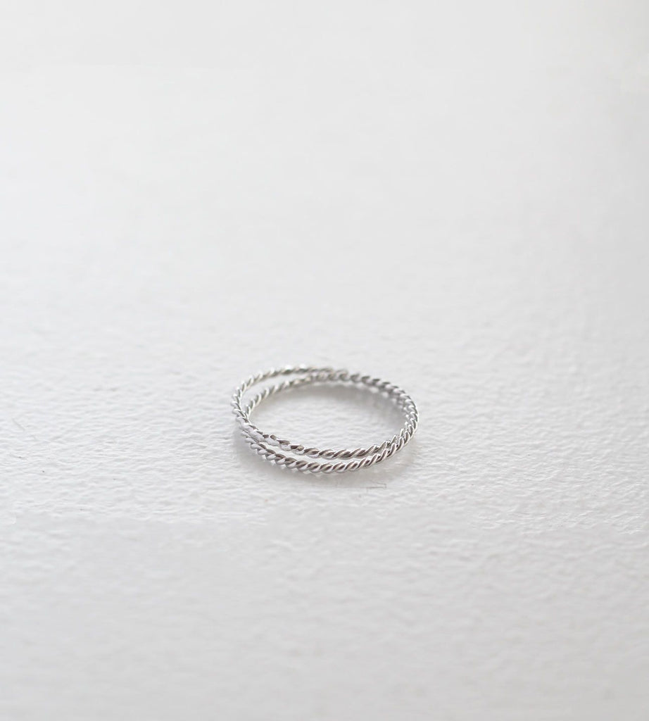 Sophie | Double Twist Band | Silver