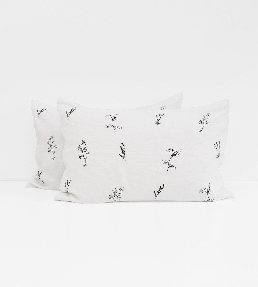Father Rabbit | Linen Standard Pillowcase Pair | White | Botanical