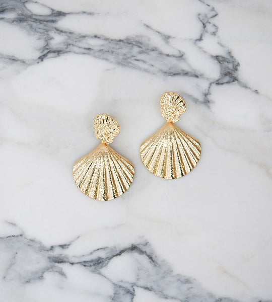 La Tribe Capri Shell Earrings
