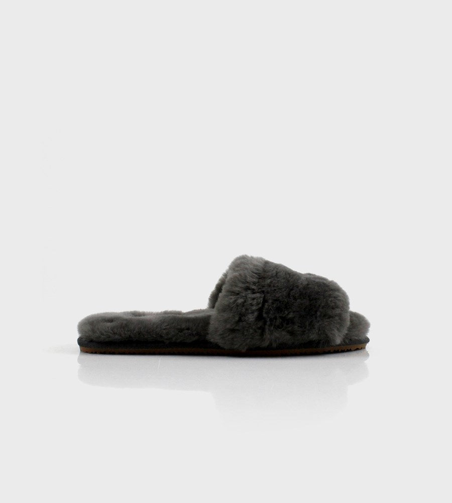 La Tribe | Sheepy Slipper | Charcoal