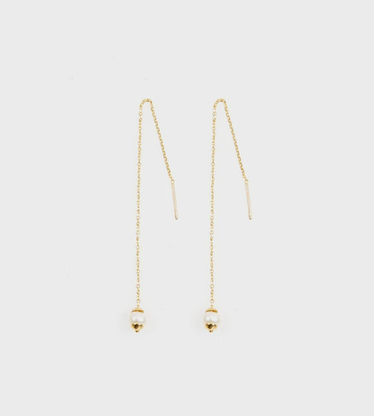 La Tribe | Tiny Chain Pearl Earrings | Gold