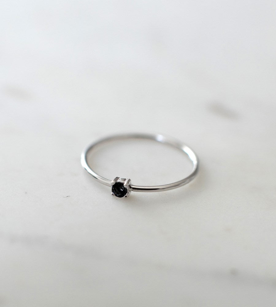 Sophie | Mini Rock Ring Black | Silver