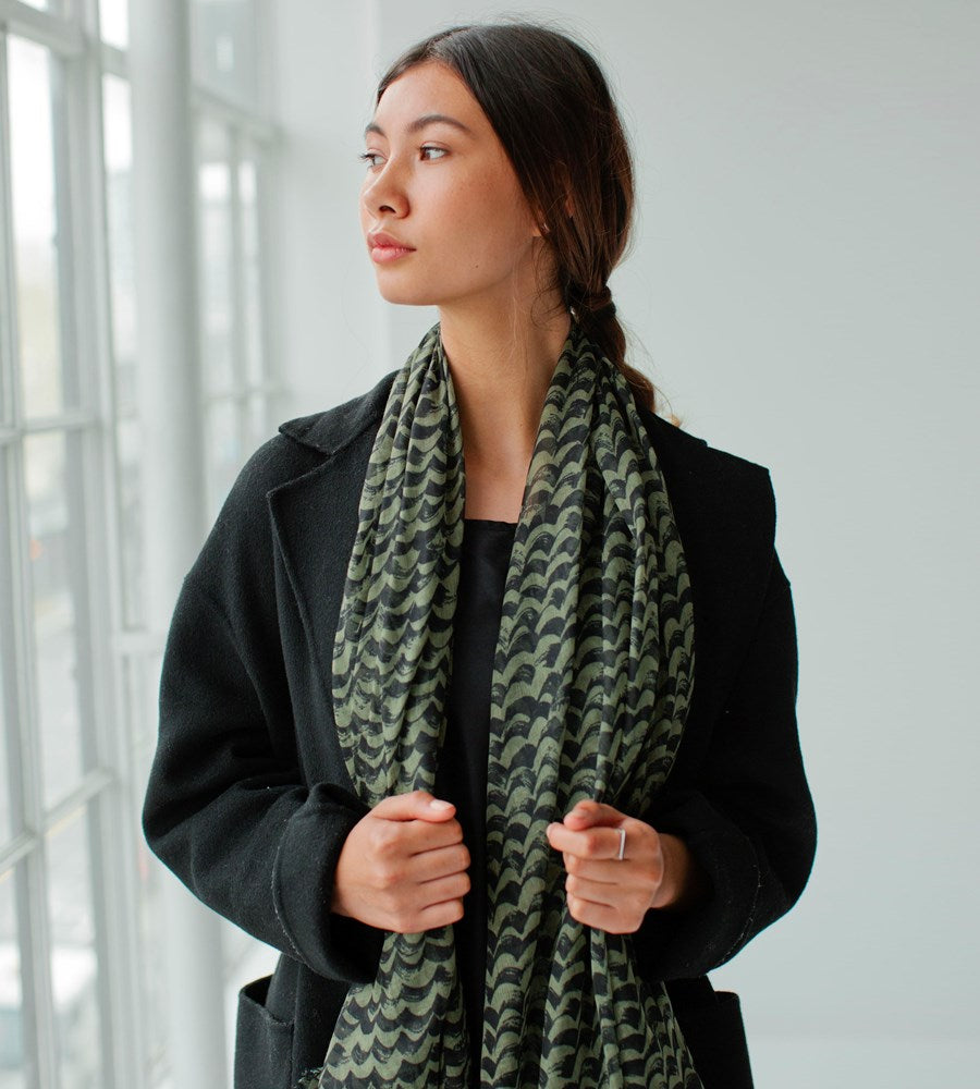 Sophie | Waves Scarf | Khaki