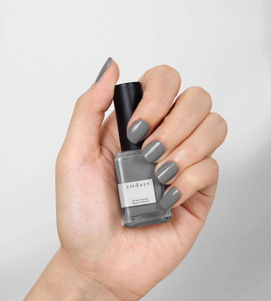 Sundays | Non Toxic Nail Polish No. 32