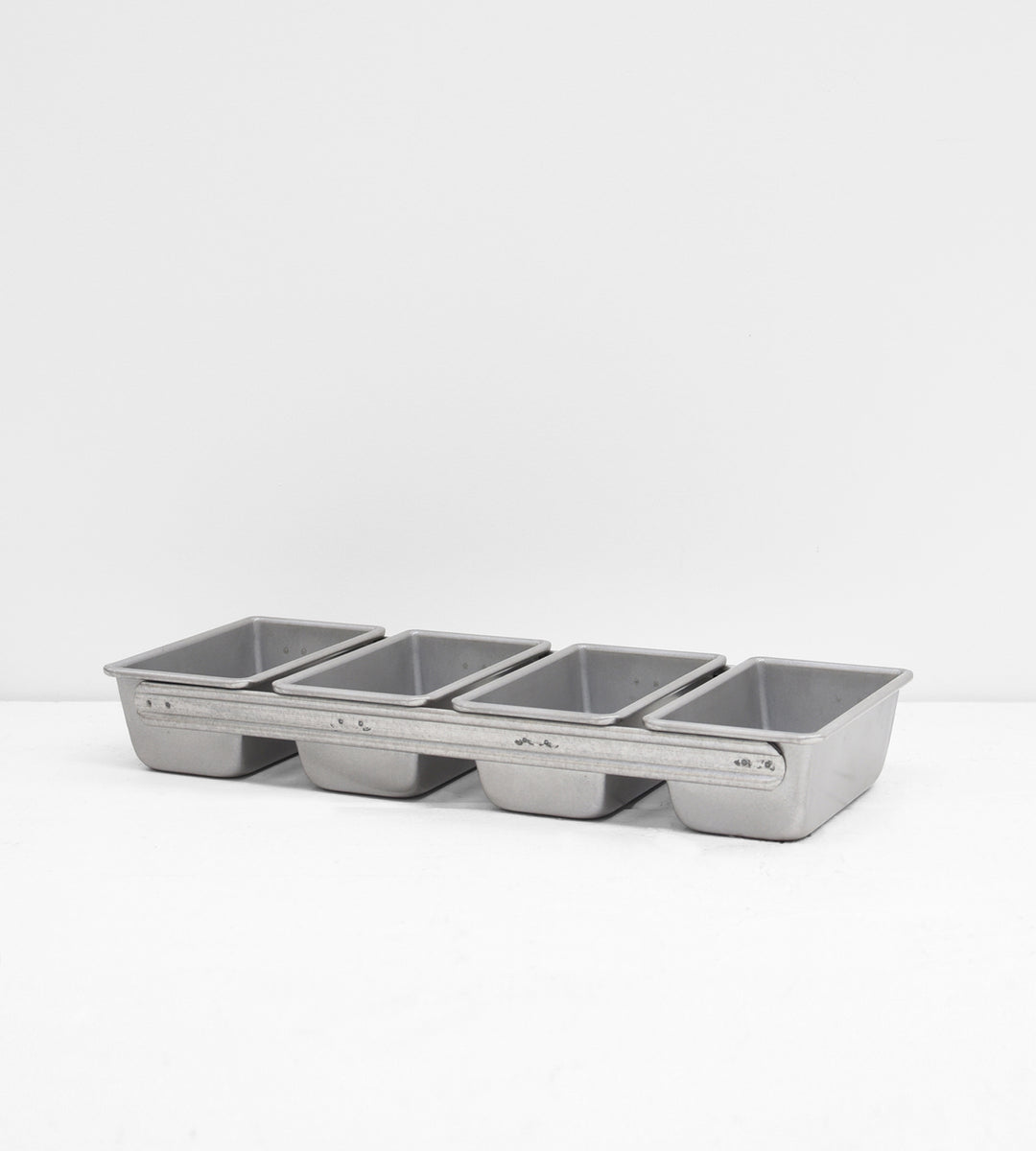 USA Pan | Strapped Mini Loaf Pan