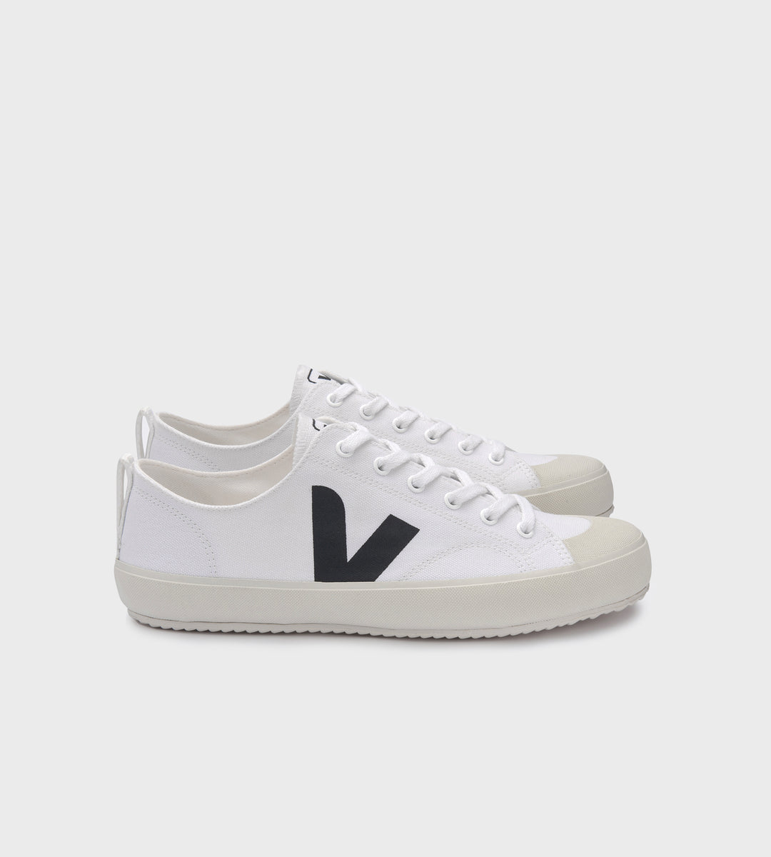 Veja | Nova Canvas Sneaker | White Black