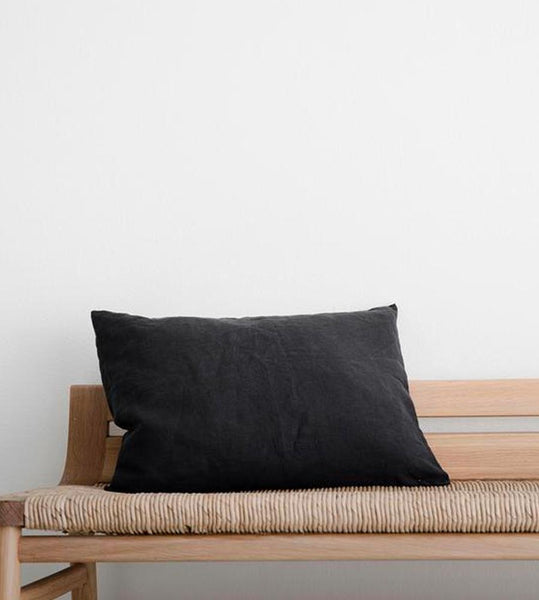 Cultiver | Linen Les Minis Cushion | Black