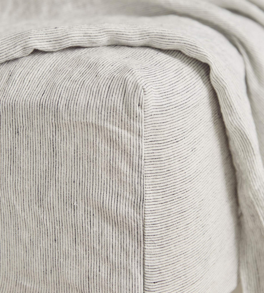 Cultiver | Linen Fitted Sheet | Pinstripe