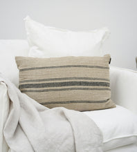 Allina Linen Cushion Natural & Navy