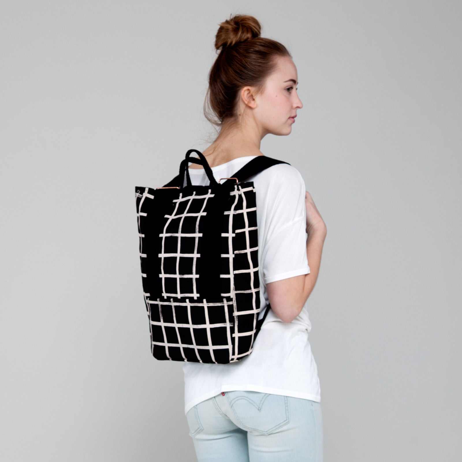 products/brush_grid_backpack_taylor_ss16.jpg