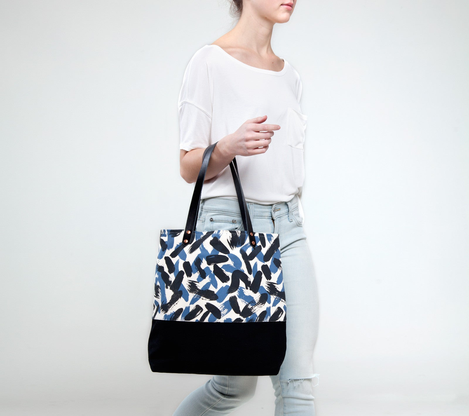 products/painted-two-tone-tote-taylor-ss16.jpg