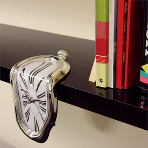 DALI-ESQUE MELTING CLOCK