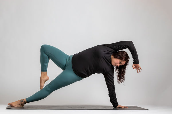 Why 10 Minutes of Yoga everyday is All You Need - Yoga Mom shares her Story | Svelte Belle Blog