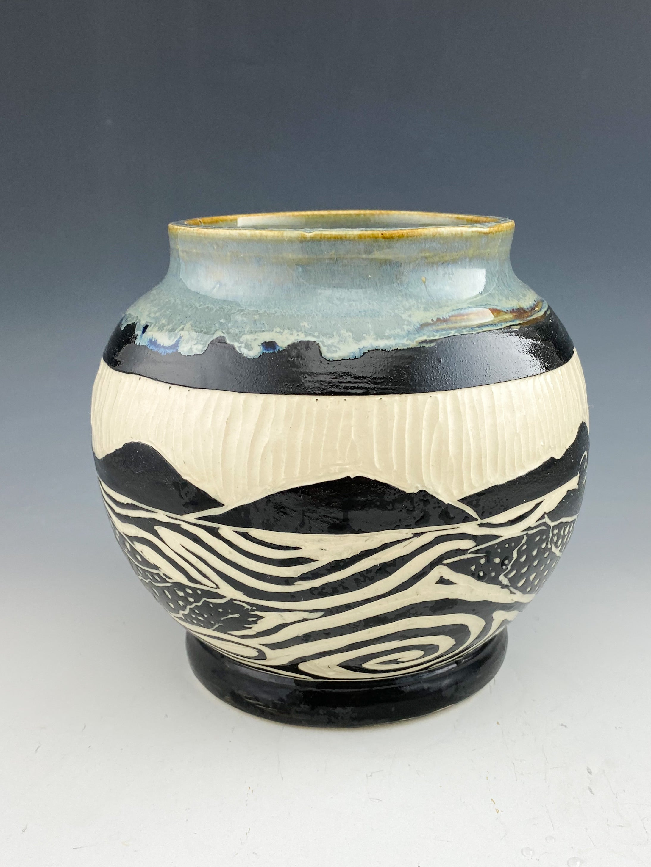 Loon vase in gray sgraffito handmade pottery