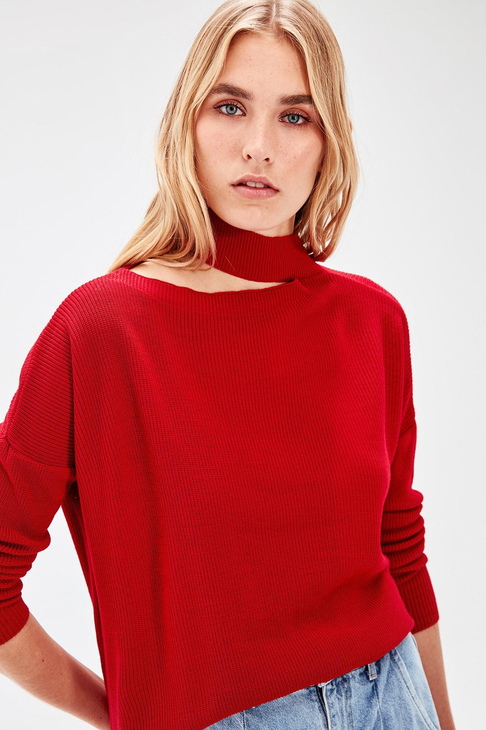 Red Cut-Out Detail Sweater - Top Maxy